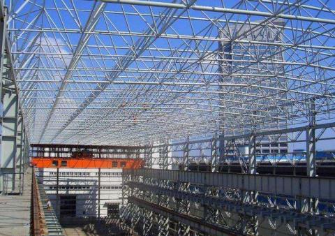 轻钢网架工程中怎么对柱脚进行安装制作