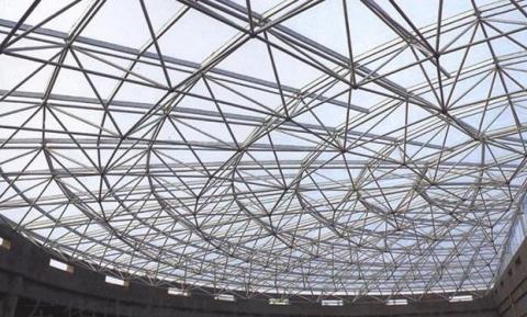 网架加工公司浅析网架钢结构的选材技巧