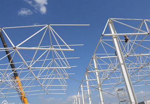 网架结构可以分为几种及性能特点